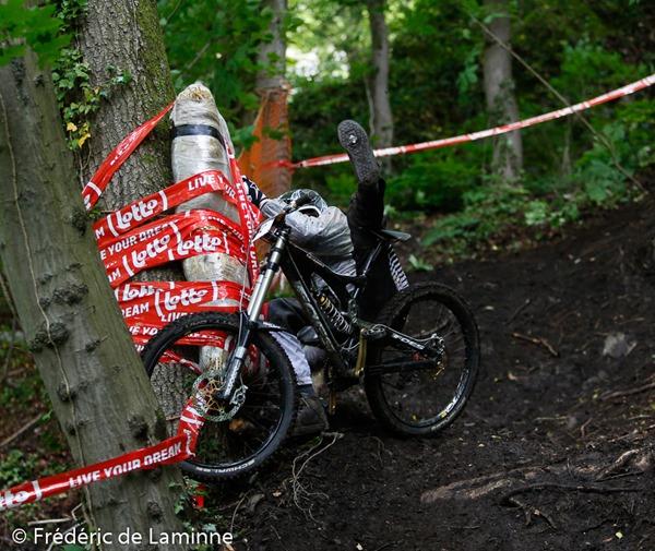 2e manche de la LOTTO DH1 Belgium VTT Downhill - Dinant qui s'est déroulé à Dinant (rue en Rhée) le 11/05 /2014.