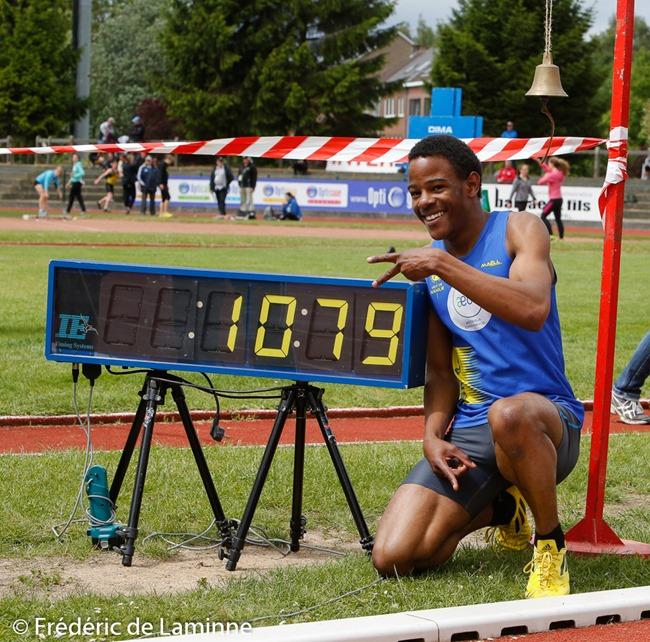 Nathan Kapenda lors du Championnat LBFA cadets-scolaires qui s'est déroulée à Braine-L'Alleud (stade Gaston Reiff) le 24/05/2014.