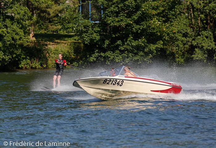 Ski nautique sur la Meuse à Wépion (halage) le 08/06 /2014.