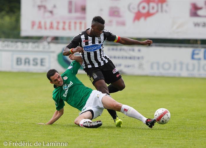 Francis N'GANGA (41) défenseur du Sporting de Charleroi et Alexis LAFON (25)  du Royal Excelsion Virton lors du Match de préparation entre le Sporting de Charleroi (D1) et le Royal Excelsion Virton (D2) qui s'est déroulé à Mariembourg (Stade du Roi Soleil) le 05/07/2014.