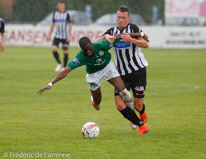 Demba THIAM (28) défenseur du Royal Excelsion Virton et Clément TAINMONT (7) milieu du Sporting de Charleroi lors du Match de préparation entre le Sporting de Charleroi (D1) et le Royal Excelsion Virton (D2) qui s'est déroulé à Mariembourg (Stade du Roi Soleil) le 05/07/2014.