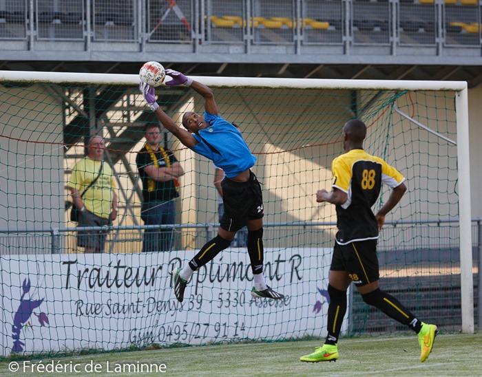 Jordan  TONNET (24) GK de l' UR Namur lors du Match amical entre l'UR Namur (Promotion D) et RAEC Mons (D2) qui s'est déroulé à Namur (Stade communal) le 23/07/2014.