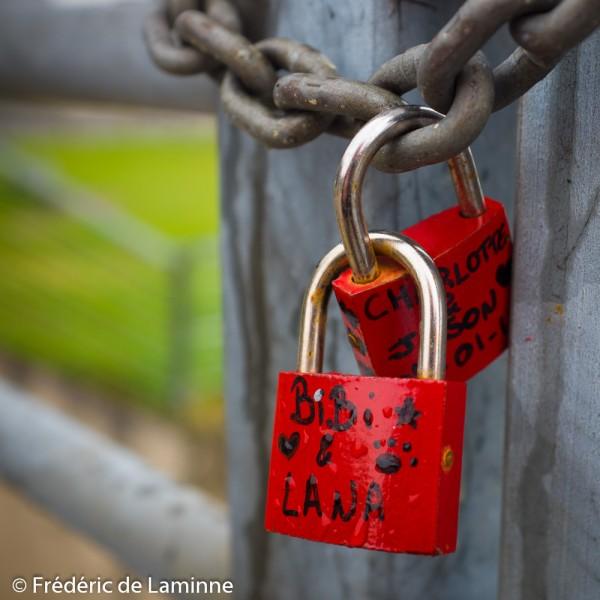 Cadenas de l'amour sur l'écluse de la Plante (Namur, BE)