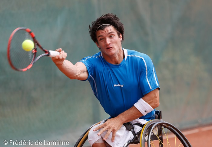 20140726 - Géronsart, Belgium : Gustavo FERNANDEZ of Argentina returns a forehand to Joachim GERARD of Belgium  during the Men's final of the Belgian Open (UNIQLO Wheelchair Tennis Tour)  on 26/07/2014 in Géronsart (Namur)