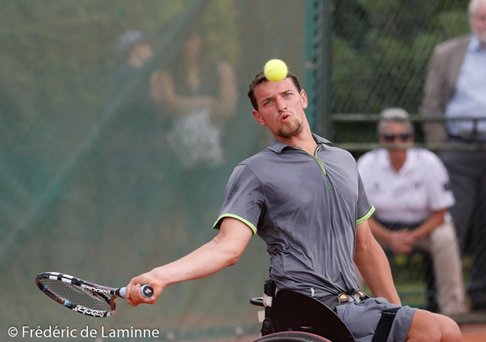 20140726 - Géronsart, Belgium : Joachim GERARD of Belgium  returns a forehand to Gustavo FERNANDEZ of Argentina during the Men's final of the Belgian Open (UNIQLO Wheelchair Tennis Tour)  on 26/07/2014 in Géronsart (Namur)