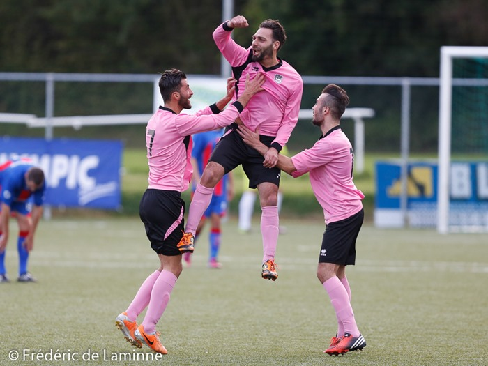 Les joueurs du ROC Charleroi célèbrent un but lors du match de P1 Hainaut entre le RUFC Ransart A et le ROC De Charleroi-March qui s'est déroulé à Ransart () le 23/08/2014.