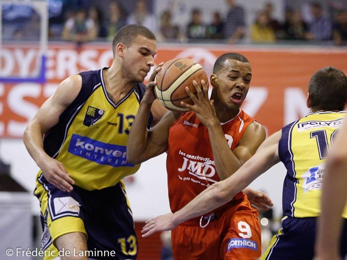 J. SEKI – KANDI (9)  du BC Loyers lors du match de Basket D3 : Loyers - Geel qui s'est déroulé à Loyers (complexe sportif) le 13/09/2014.