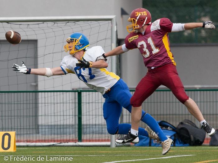 C'est presque un catch lors du match Gueules Jaunes - Jets lors du tournoi de Football Américain qui s'est déroulé à Andenne (Andenne Arena) le 14/09/2014.