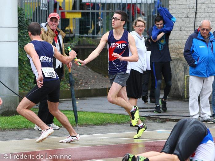 Passage de témoin pour les relayeurs de l'ARCH lors du Championnats de Belgique de Relais qui s'est déroulé à Jambes (Stade Adeps) le 21/09/2014.