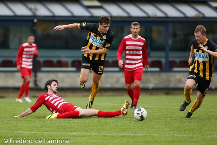 match de FootballPromotion D: UR Namur – CS Onhaye qui s'est déroulé à Namur (Stade Communal) le 05/10/2014.