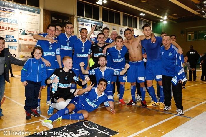 Les joueurs du Futsal Chatelineau après la victoire lors du Match de Futsal Bénécup: Châtelineau – Anvers qui s'est déroulée à Chatelineau (Complexe sportif) le 30/01/2015.