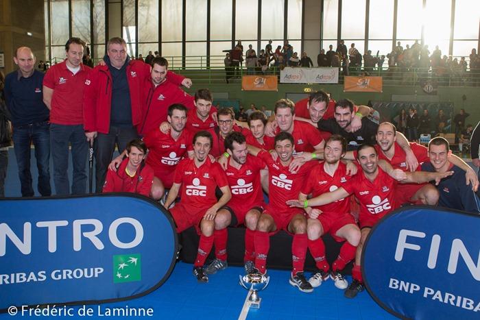 Pour la deuxième année consécutive le Hockey Namur remporte la Finale en salle face au Racing lors du match qui s'est déroulé à Auderghem (Complexe Foret de Soignes) le 08/02 /2015.