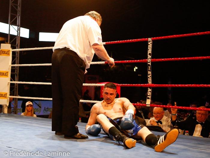 Zaslek (gts bleus)  est compté lors du Gala de Boxe  qui s'est déroulé à Charleroi (Spriroudome) le 14/03 /2015.
