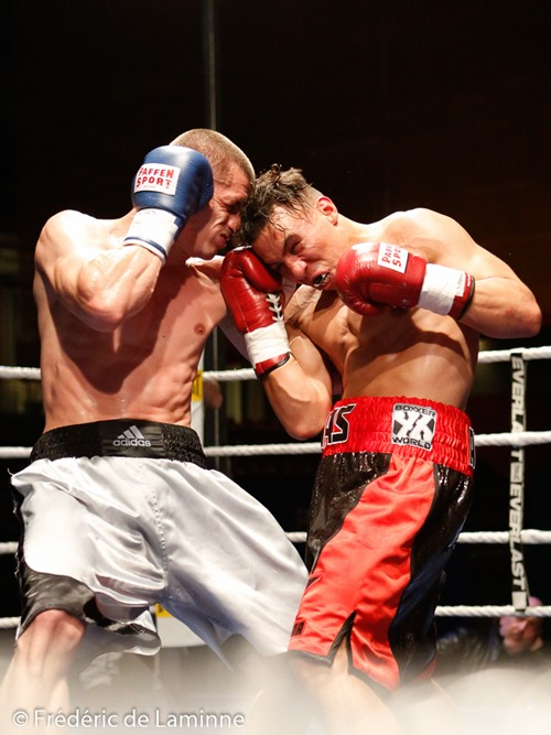 Ilias Achergui - Medhi Lacombe lors du Gala de boxe d'Andenne qui s'est déroulé à Andenne (Andenne Arena) le 25/04 /2015.