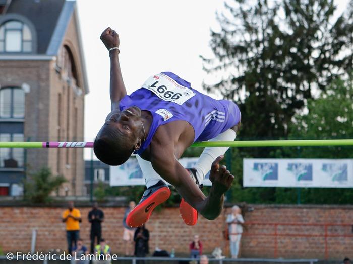 Younes Idris Mohamed passe 2.28m lors du Meeting Atletissima qui s'est déroulé à Jambes (Stade Adeps) le 27/05 /2015.