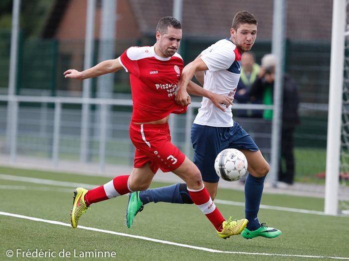 Julien TRIMBOLI (3) de la Jeunesse Aischoise lors du Match de Football P1: Onhaye – Aische qui s'est déroulé à Onhaye (R. du Forbot) le 06/09/2015.