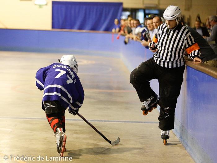 Match de jeunes lors des Portes ouvertes du Inline Hockey Namur qui se sont déroulées à Jambes (patinoire) le 19/09 /2015.