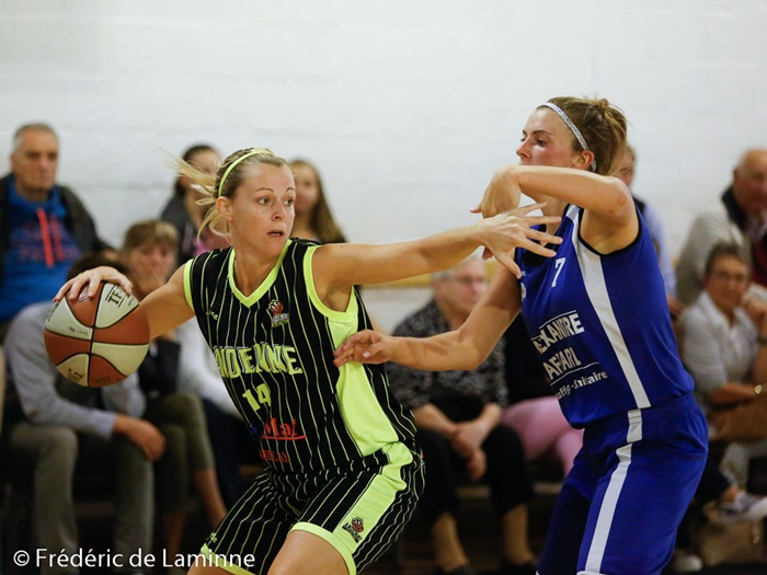 Julie BOLLAND (14) capitaine d'Andenne Basket lors du Match de Basket-Ball R1D : Ciney – Andenne qui s'est déroulé à Ciney (RBC Ciney) le 20/09 /2015.
