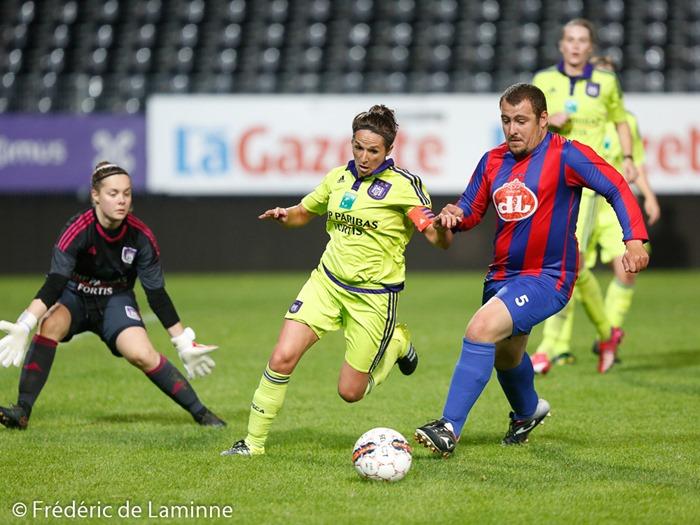 Match de gala entre Yvoir B et Anderlecht dames pour l'épisode final des Héros du Gazon qui a été tourné à Charleroi (Stade du Pays de Charleroi) le 27/09 /2015.