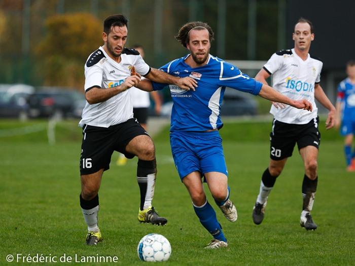 Antony PORSON (16) de la RJS Tamines lors du Match de Football promotion: Loyers-Tamines qui s'est déroulé à Loyers (Comognes) le 08/11/2015.