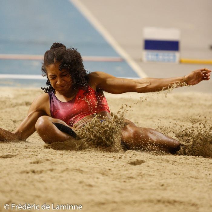 Nafissatou THIAM (RFCL) au Saut en longueur dames lors du Championnat LBFA Indoor Toutes catégories qui s'est déroulé à Gand (Topsporthal) le 30/01/2016.