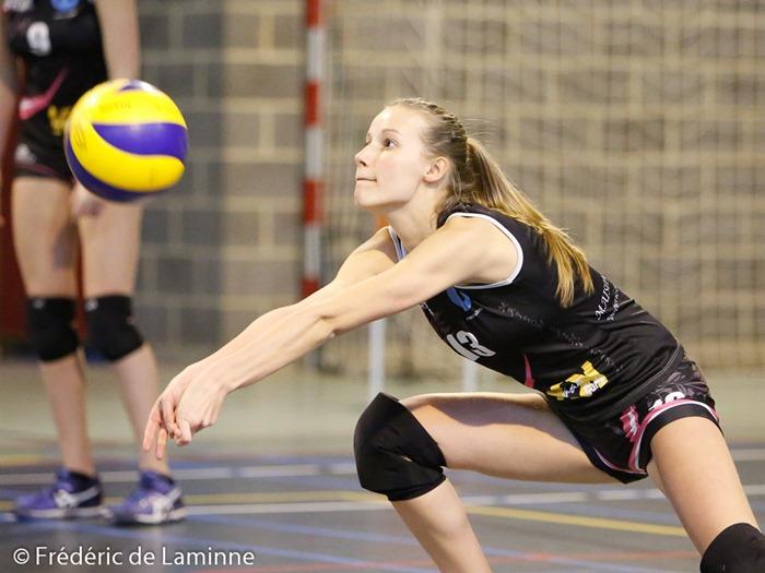 M. HAAS (13)  de Namur Volley lors du Match Volley-ballCoupe dames: Profondeville B – Namur B qui s'est déroulé à Profondeville (Complexe de la Hulle) le 07/02/2016.