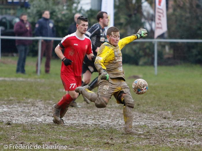 Match de Football P4D: Rochefort B-Feschaux qui s'est déroulé à Rocherfort (Centre sportif) le 06/03/2016.