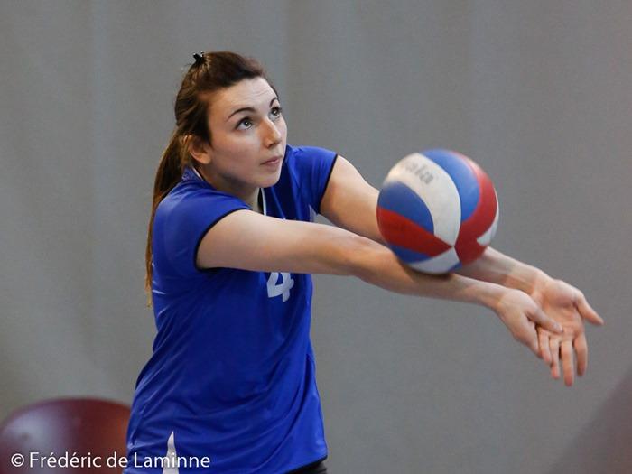 K. FOULON (4)  du SVC Romedenne lors du Match de Volley-ball P1 dames: Romedenne – Floreffe qui s'est déroulé à Philippeville (complexe sportif) le 19/03/2016.