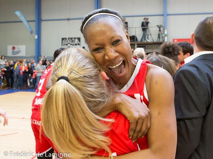 Astou TRAORE laisse exploser sa joie lors de la victoire de Namur durant la finale de la coupe de Belgique dames: Belfius Namur – Castors Braine qui s'est déroulé à Boom (Sporthal) le 28/03/2016.