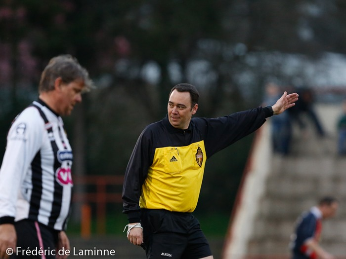 Maxime Prévot, vice président du Gouvernement Wallon officie en tant qu'arbitre lors du match de gala entre les Héros du gazon et les Anciens de P1 qui s'est déroulé à Jambes (Stade Adeps) le 02/04/2016.