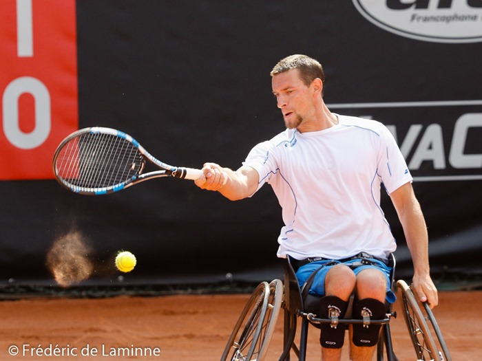 Namur, Belgium. 24 Jul, 2016. Joachim Gerard hits the ball during the Mens final of the Belgian Open between Joachim Gerard (BEL, in white) and Gustavo Fernandez (ARG, in blue) that took place in Namur, Belgium. © Frédéric de Laminne/Alamy Live News