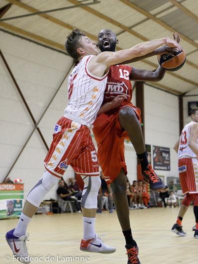 A. KYRARANGANYA (12) du BC Loyers lors du Match de Basket-ball: Loyers – Oostkamp qui s'est déroulé à Loyers (Complexe sportif) le 24/09/2016. Photo : Frédéric de Laminne