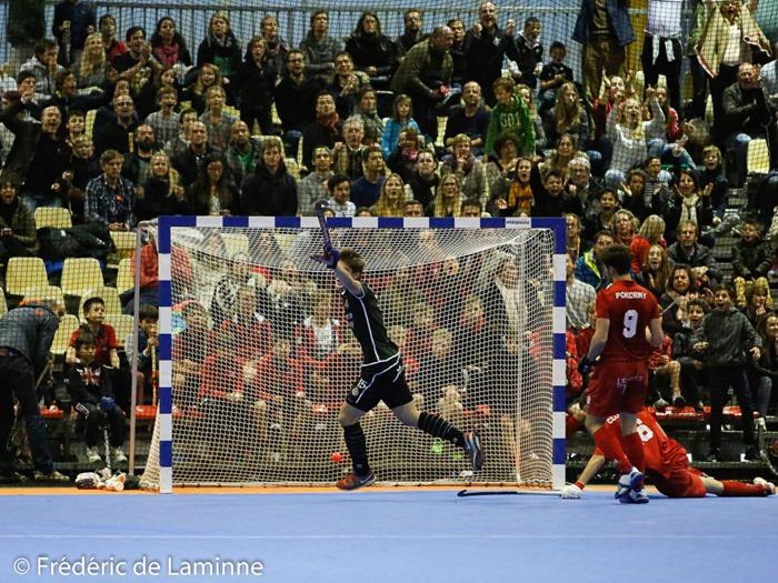 Attendus comme les favoris les hockeyeurs Namurois sombrent lors de la Finale du championnat de hockey en salle entre le Racing et Namur qui s'est déroulé à Court St Etienne (Parc à mitrailles) le 31/01/2016.