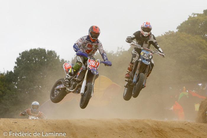 BREVERS LUDOVIC (261) et DAMGAARD NIKLAS (130) lors du 30ème Superbiker qui s'est déroulé à Mettet (Circuit Jules Tacheny) le 08/10/2016.