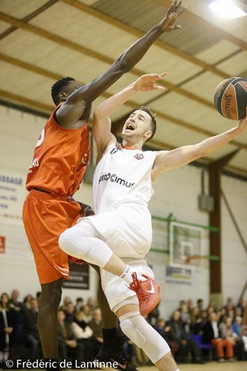 Anthony LAMBOT (8) capitaine du SPIROU B lors du Match de Basket-ball D3: Loyers – Spirou Charleroi qui s'est déroulé à Loyers (Complexe sportif) le 03/12/2016.