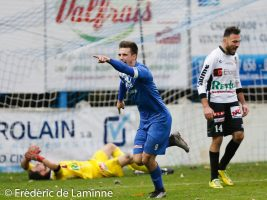 Gilles KINIF (9)  de la RUW Ciney lors du Match de Football D2 ACFF J10 : RUW Ciney – Olympic Charleroi qui s'est déroulé à Ciney (Stade Communal) le 06/11/2016.