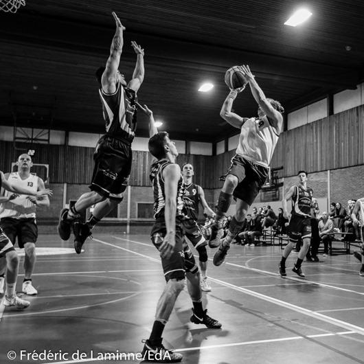 Duel aérien lors du Match de Basket-ball R2B: Malonne-Belgrade qui s'est déroulé à Malonne (Champ Ha) le 24/01/2017.