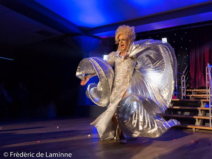 Spectacle Lady Absynthe lors de la Soirée St Valentin qui s'est déroulée à Isnes (Cocogrill) le 11/02/2017.
