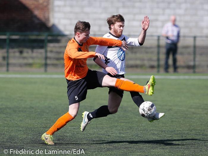 S. MERTENS (5) de la R. Anhée lors du Match de Football P1: Andenne – Anhée qui s'est déroulé à Andenne (Stade Papa) le 02/04/2017.