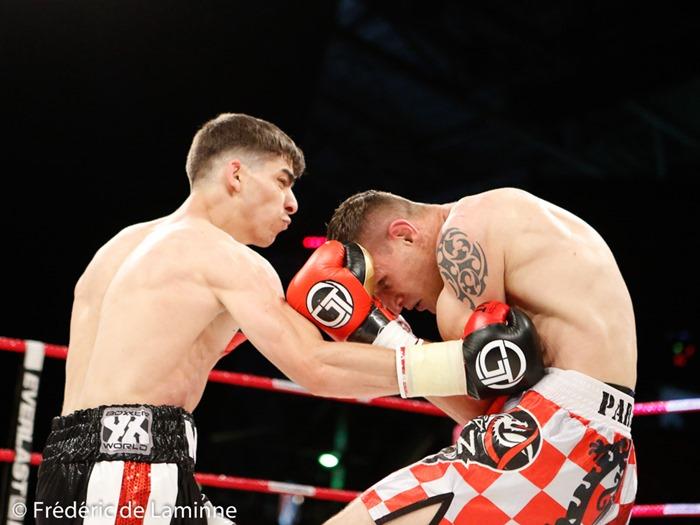 Miko Khatchatryan (short noir) – Anko Nakic lors du Gala de boxe Round 4 qui s'est déroulé à Charleroi (Spiroudome) le 20/05/2017.