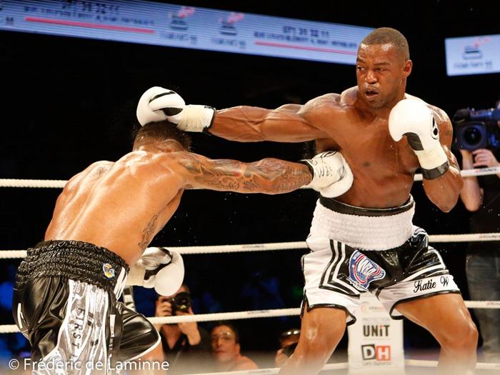 Ryad Merhy confirme sa ceinture WBA Intercontinentale face à Mitch Williams lors du Gala de boxe Round 4 qui s'est déroulé à Charleroi (Spiroudome) le 20/05/2017.