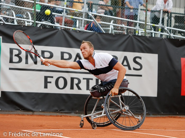 20170729 - Namur, Belgium : Nicolas Peifer (FRA) returns the ball during his semifinal match against Joachim Gerard (BEL) at the 30th Belgian Open Wheelchair tennis tournament on 29/07/2017 in Namur (TC Géronsart). © Frédéric de Laminne
