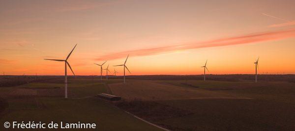 Images aériennes du parc éolien entre Fays Achêne et Sovet, le 24/02/2019.