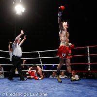 Antoine Vanackère (ceinture dorée, 63,7 Kg, Agent Vanackère) vq par K.-O. au 1er round de Attila Hoarvath (XX Kg, Hongrie) lors du Gala de Boxe d'Andenne: Back in his land qui s'est déroulé à Andenne (Andenne Arena) le 29/10/2016.
